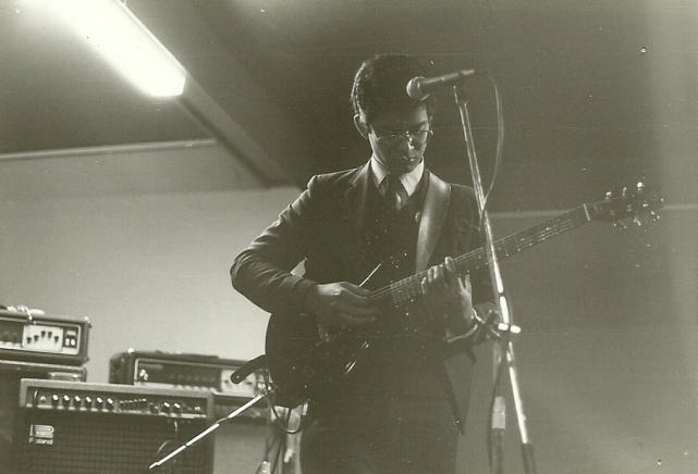 Neil Fernandez, Manikins guitarist/songwriter