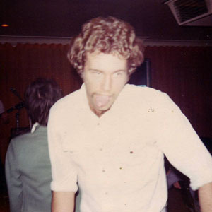 Orphans fan going the gob at Hernando's Hideaway, Perth, 1978