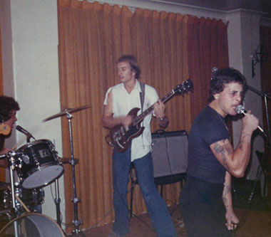 Billy Orphan and Ross Buncle, Orphans gig, Hernando's Hideaway, Perth 1978